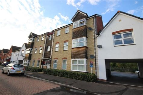 one bedroom flat to rent in exeter 2 bedroom flat to rent in chaucer grove exeter devon ex4
