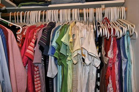 How To Organize Your Closet By Color by Organize Your Closet By Color Brady Lou Project Guru