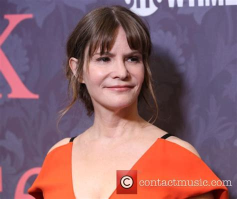 jennifer jason leigh new show jennifer jason leigh news photos and videos