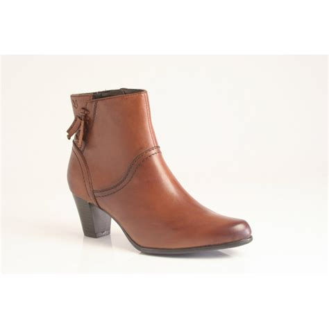 caprice ankle boot with zip in high grade nut leather