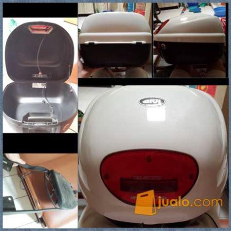 Box Depan Scoopy Box Givi E16 Smile White Pearl Tangerang Jualo