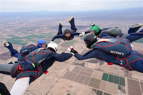 Uconn Mba Fall 2017 Schedule by Free Fall Uconn S Skydiving Team Uconn Today