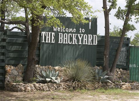 backyard bee cave widespread panic 06 13 1996 bee cave tx panicstream