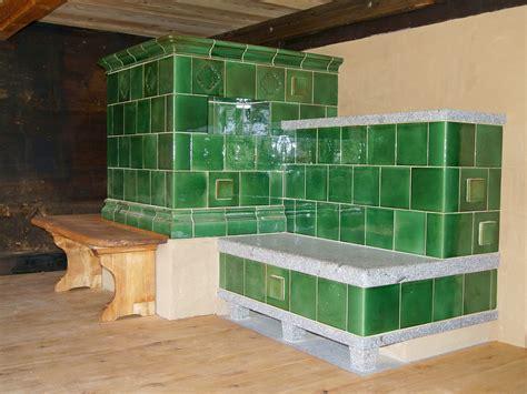 Treppe Zwischen Zwei Wänden by Kachelmanufaktur Eisenack Schwarzw 228 Lder Kachelofen Mit