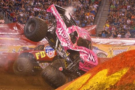 video monster truck accident uh oh madusa crash monster trucks pinterest