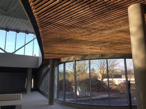 Faux Plafond Exterieur by Bardage Plafond Maison Travaux