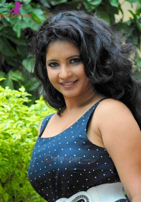 actress name kannada kannada actress shubha poonja hot photos sexy bikini