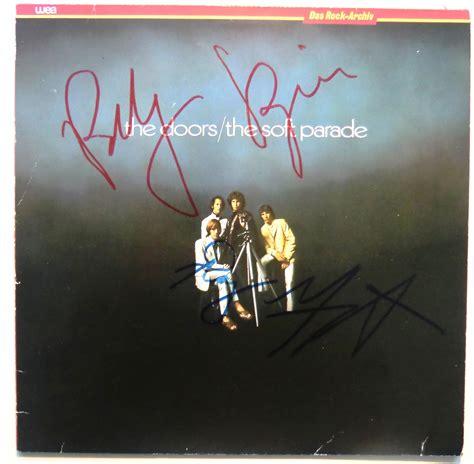 Teuerstes Autogramm by Autogramm Von Robby Krieger Und Ray Manzarek Auf Dem Cover
