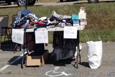 Garage Sale Tables by How To Sell Everything At Your Next Garage Sale Tips For