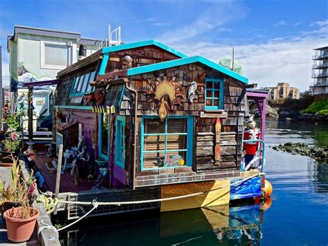 boat house uk your guide to buying a houseboat ourproperty co uk