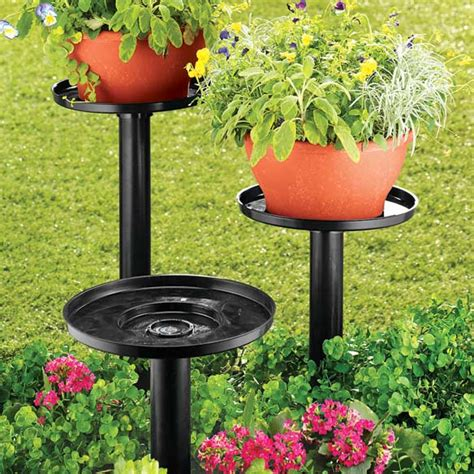 Planter Stands Outdoors by Outdoor Plant Stand Set Of 3