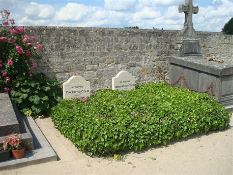 at grave gogh grave in auvers provence gogh provence gogh
