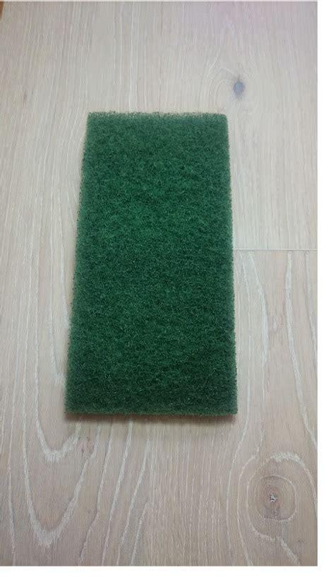 Holzboden Von Hand Polieren by Handpad Super Gr 252 N Reinigen Und Polieren Von Holzoberfl 228 Chen