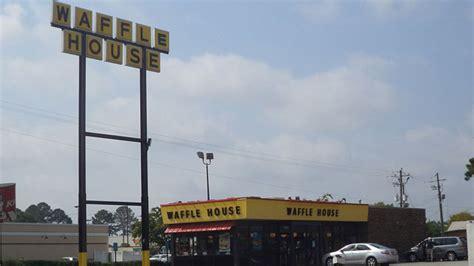 Waffle House Newnan Ga by Waffle House Waitress Loses After Firing Gun During
