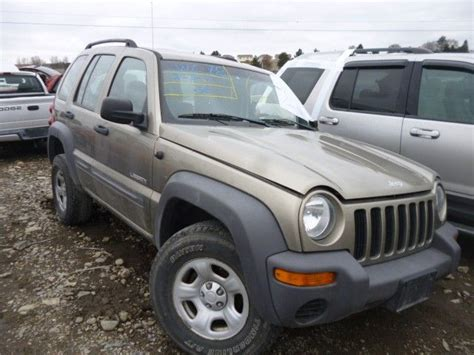 Jeep Liberty 2004 Parts Used 2004 Jeep Liberty Front Part 3377274