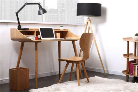 des petits bureaux pour un coin studieux joli place