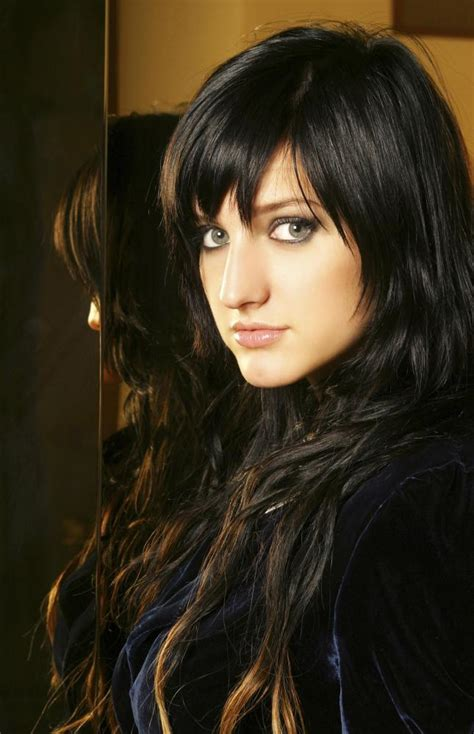 actors with green eyes dark hair picture of ashlee simpson