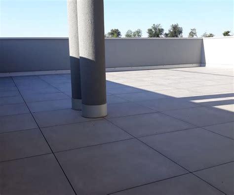 pavimento flottante per terrazzo pavimento in gres con posa flottante per terrazzi