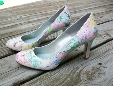 wedding shoes diy 20 diy wedding shoes for every bridal style thegoodstuff