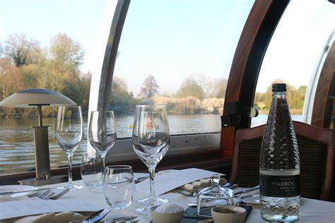 thames river lunch bateaux windsor river thames sunday lunch cruise for two