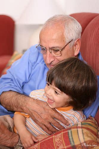 imagenes te extraño abuelito mi hijo no quiere besar a sus abuelos edukame