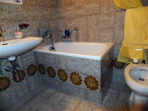vasche da bagno a sedere foto vecchia vasca da bagno a sedere di sovabad italia s