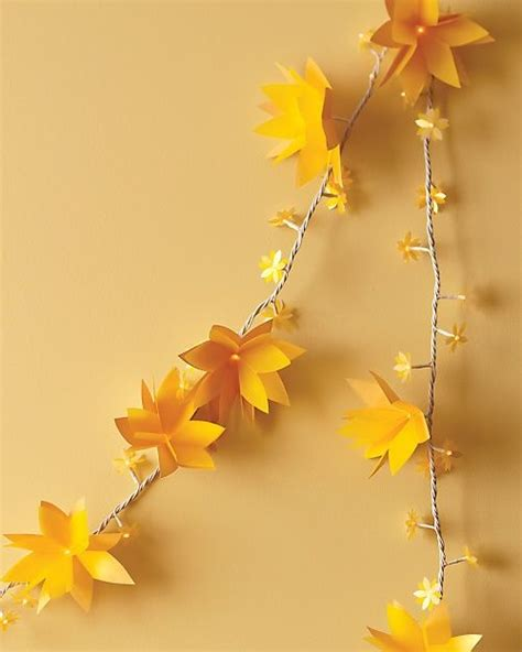 How To Make Paper Flower Garland - the 238 best images about garlands mobiles hangings on