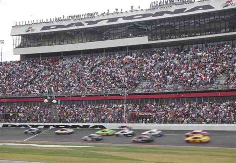 Attendance Daytona 500 by Unveil The Nascar Experience 2013 Daytona 500 Craveonline
