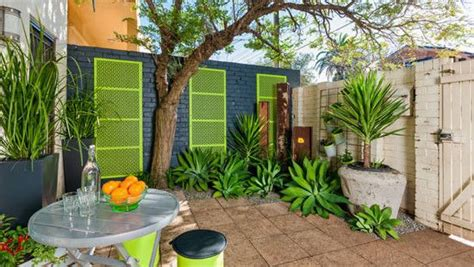 simple backyard makeovers yahoo7 lifestyle fashion and healthy living