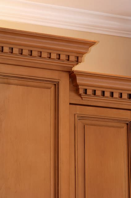 Kitchen Cabinet Crown Molding Sophisticated Crown Moulding With Dentil In Kitchen
