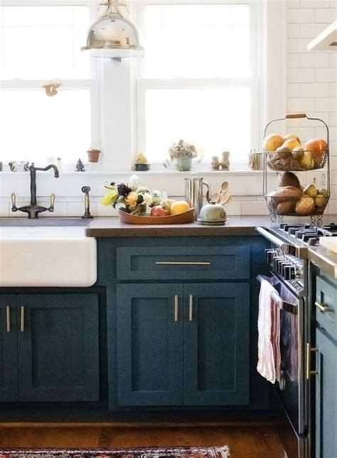 Navy Blue Kitchen Cabinets by Best 25 Blue Cabinets Ideas On Blue Kitchen