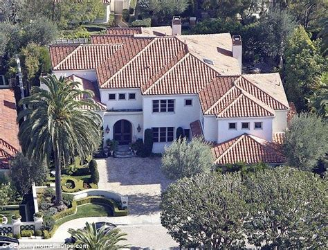 kobe house kobe bryant mansion 3 in newport beach celeb pads pinterest tags mansions and