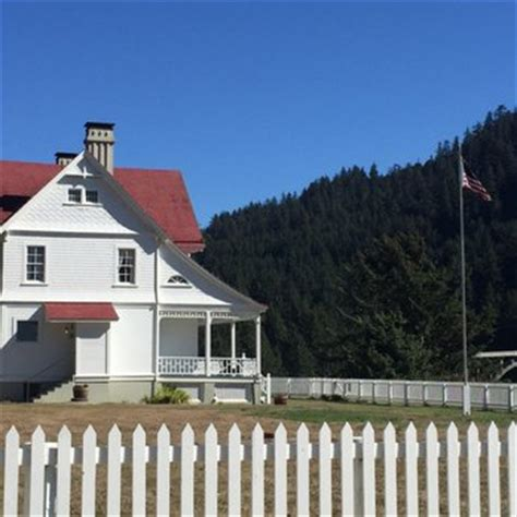 heceta head lighthouse bed and breakfast heceta lighthouse bed breakfast 55 photos 20 reviews b bs 92072 hwy 101 s