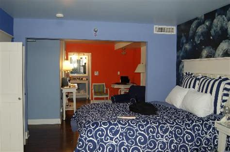 hotels with 3 bedroom suites in chicago bedroom picture of hotel indigo chicago downtown gold