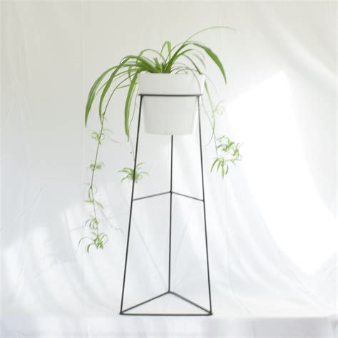 metal planter stand the skaha wire steel metal planter plant stand ceramic