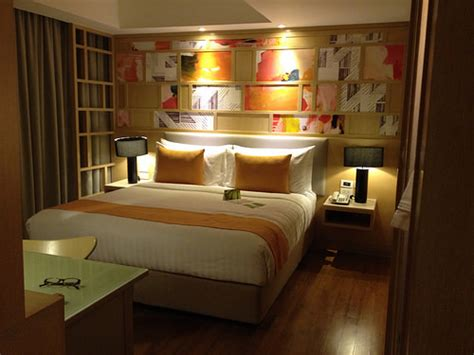 how to make your bedroom look bigger how to make your bedroom look bigger excellent quality