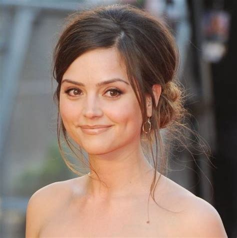 beach waves for round face jenna coleman hairstyles for a wide round face cinefog