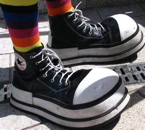 clown running shoes 25 best ideas about clown shoes on oompa