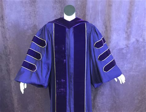 Univerersity Of Washington Mba Regalia by Cap And Gown Uw Commencement