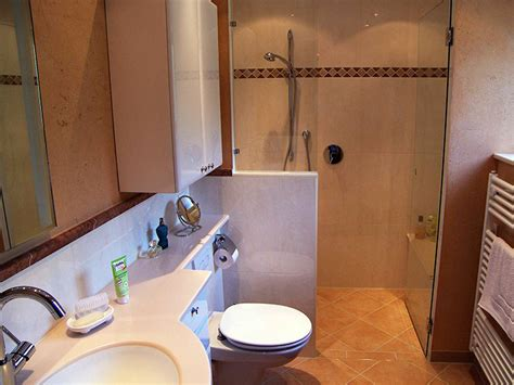 toilette mit dusche und fön corian 174 waschtischplatte bad 057 b 228 der dunkelmann