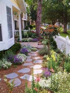 Ideas For A Small Front Garden 26 Beautiful Landscaping Ideas For A Small Front Yard Gardenoholic