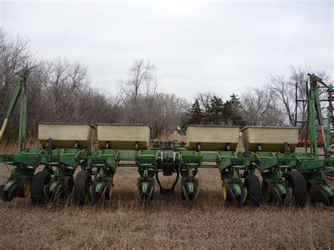 Deere 7000 8 Row Planter by 7000 Deere 8 Row Planter Nex Tech Classifieds