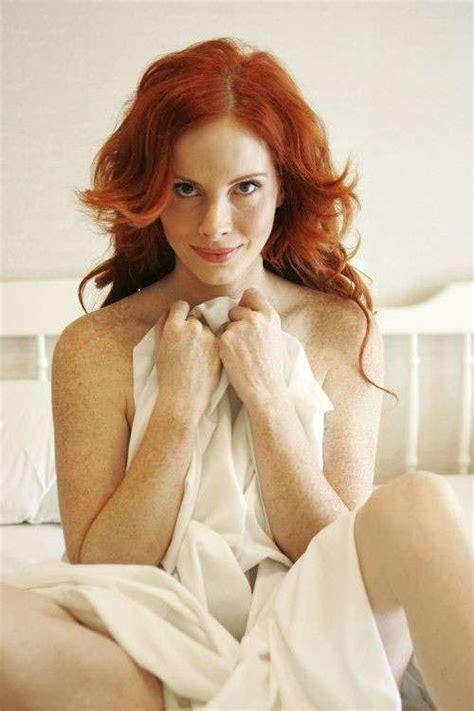 donne senza vestiti nel letto ragazze sensuali sul letto foto qnm