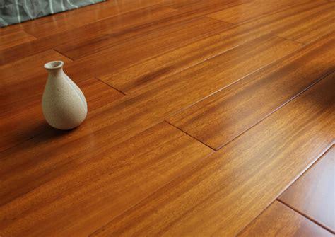 pavimento iroko parquet iroko opinioni e prezzi legno iroko quanto