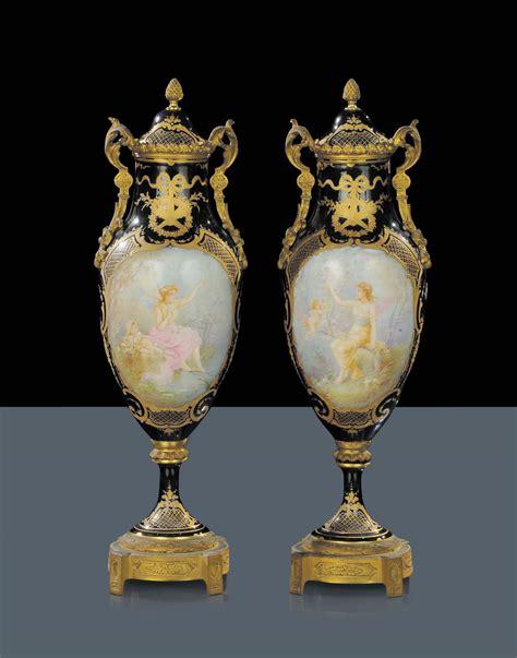 vasi in porcellana coppia di vasi in porcellana di sevres xix secolo