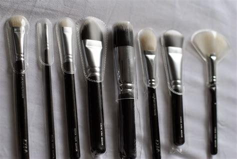 Bulu Roll Copot Ace Kuas Roll Copot tips menyimpan kuas makeup agar tetap higienis dan tidak