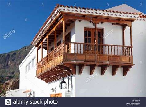 holzkonstruktion balkon house with traditional wooden balcony tejeda gran