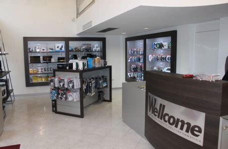 arredamenti per negozi arredamenti per negozi scaffali per negozi pannelli