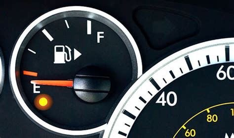 How Many Left When Gas Light Comes On by Fuel Light How Far Can You Actually Travel When It Comes On Cars Style Express Co Uk
