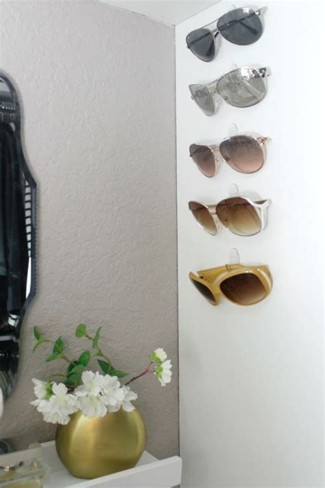 Diy Sunglasses Rack by 25 Best Ideas About Command Hooks On Diy